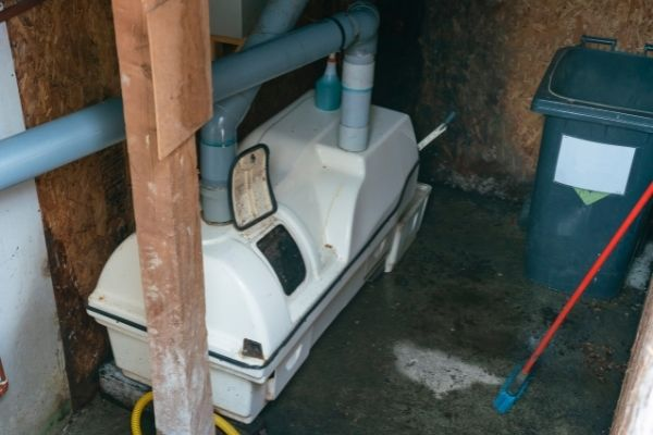 composting machine of a compost toilet